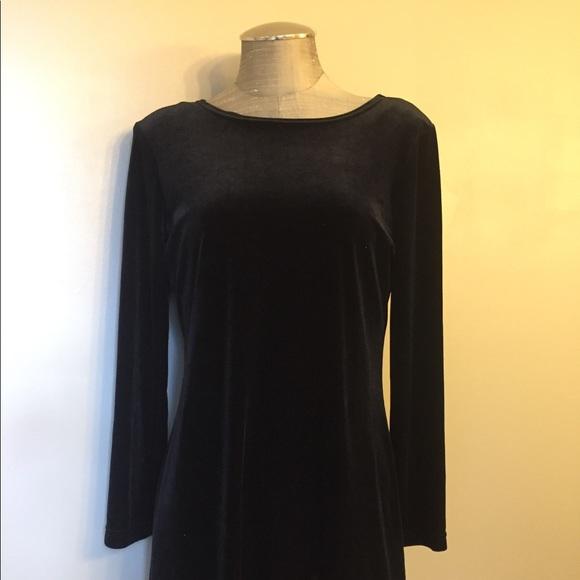 Studio Ease Dresses & Skirts - Long Sleeve Velvet Dress